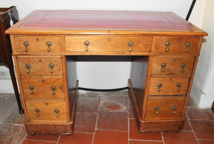 Original Antiker Englischer Viktorianischer Nussbaum Schreibtisch
