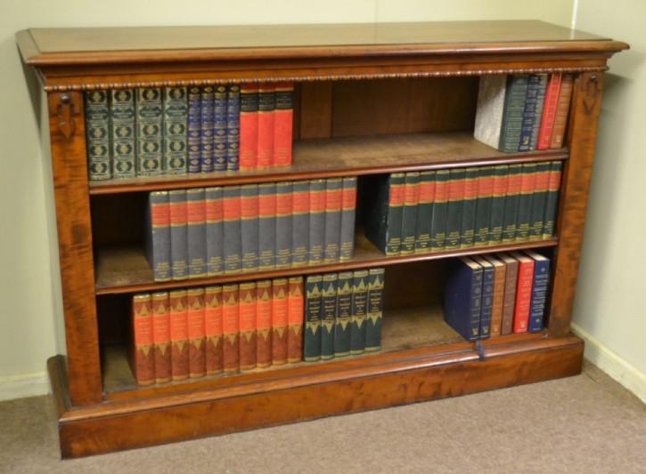 Antikes viktorianisches offenes Mahagoni Bücherregal 1870