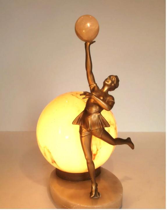 WunderbareEnglische Antike Art Deco Lampe mit Tanzfigur ca. 1920