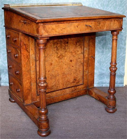 Viktorianischer Antiker Nussbaum Davenport Schreibtisch englisch 1860