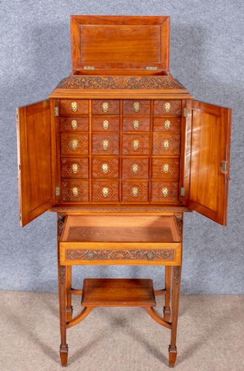 Original Antiker Englischer Maßgeschneiderter Mahagoni Sammlerschrank ca. 19.JH