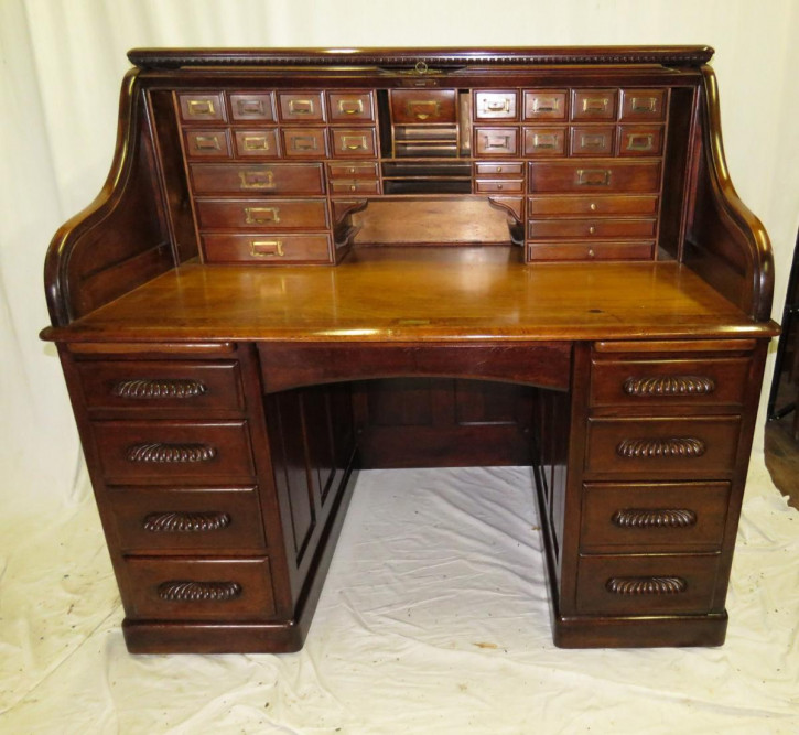 Beeindruckender antiker Nussbaum Schreibtisch englisch ca 1880