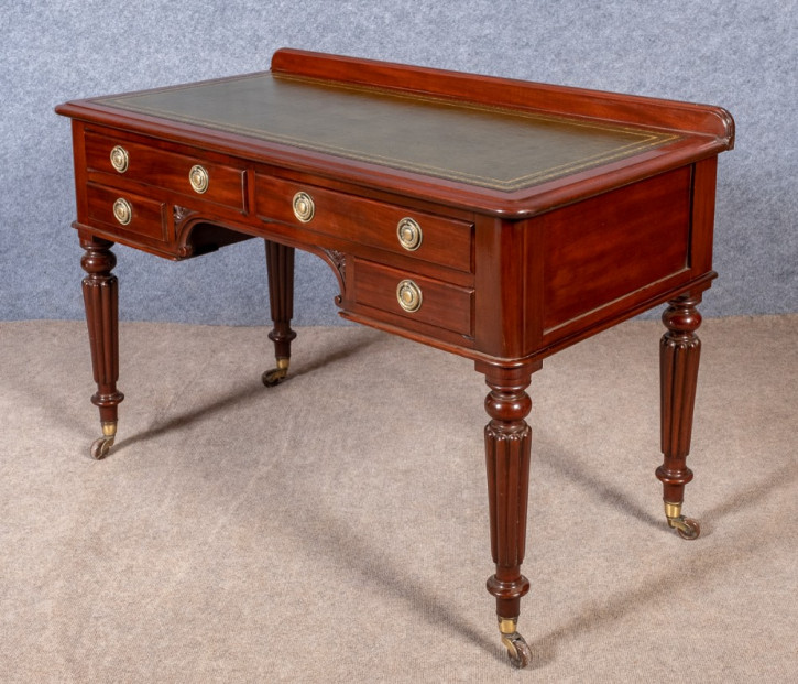 Großartigerantiker viktorianischer Mahagoni Schreibtisch englisch ca 1850