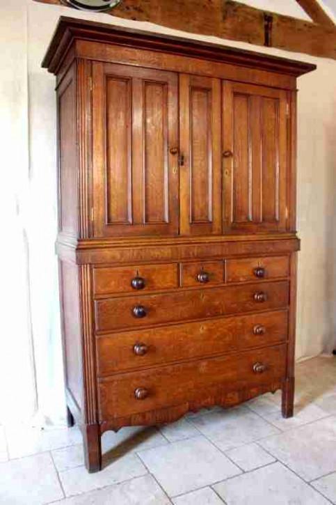 Original antiker Landhaus Eichen Kleiderschrank Linen Press englisch ca 1850-80