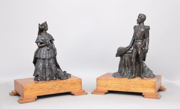 Antikes Hübsches Französisches Paar Bronzen Napoleon ca. 1855