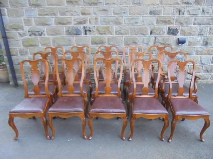 15 Stk original antike Nussbaum Stühle Küchenstühle englisch ca 1900