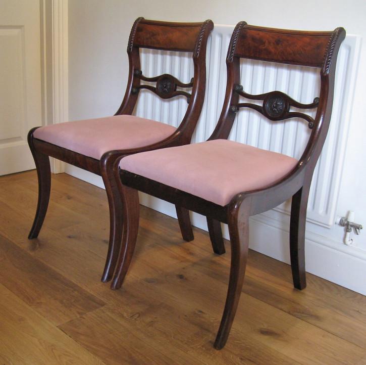 Paar original antike Regency Stühle Mahagoni Küchenstühle englisch ca 1810