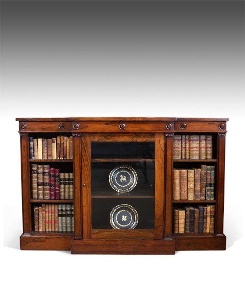 William IV Englisches Antikes Palisander Breakfront Bücherregal ca. 1835