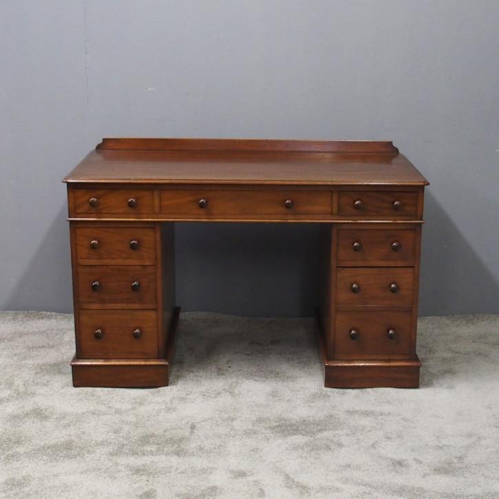 Antiker Viktorianischer Englischer Mahagoni Schreibtisch Edwards und Roberts ca. 1880