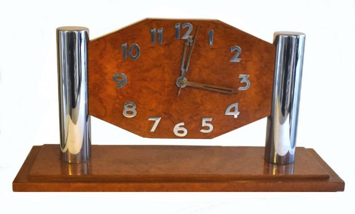 Art-Deco Antike Französische Nussbaum Modernisten Uhr ca. 1930