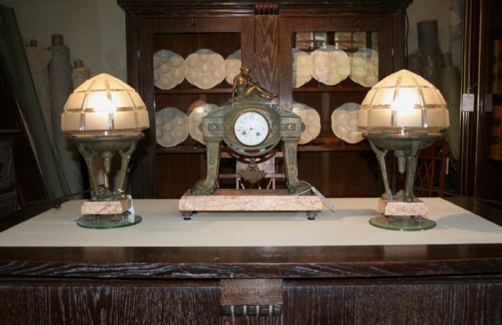 Antike Art Deco Uhr und Tischlampen Bronze Glas französisch ca 1930