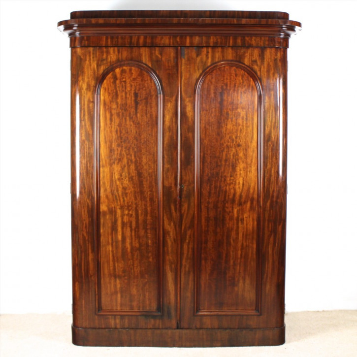 Viktorianischer Mahagoni Kleiderschrank original antik 1860
