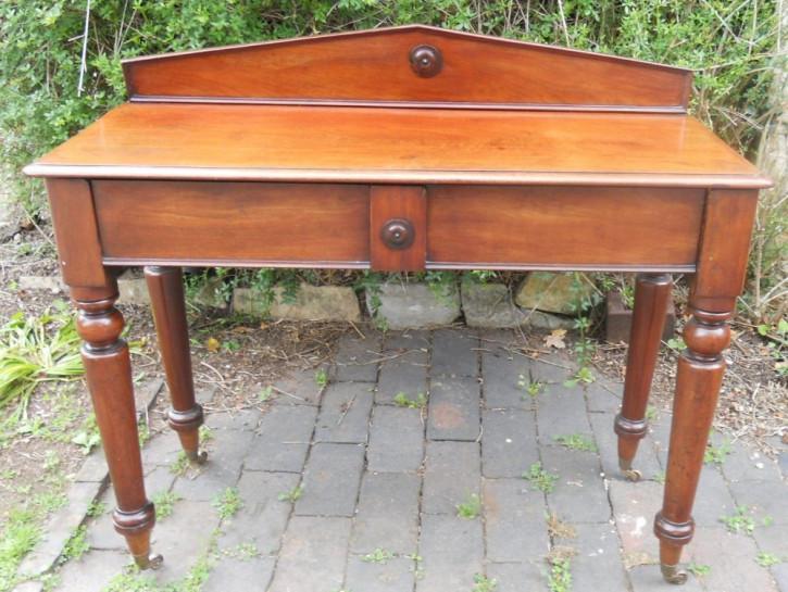 Viktorianischer englischer Mahagoni Beistelltisch antik ca 1800