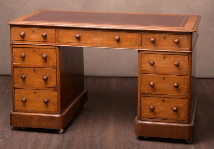 Englischer Viktorianischer Antiker Eichen Schreibtisch ca. 1860