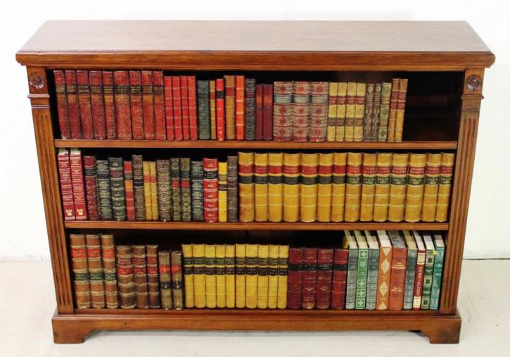 Edwardianisches Nussbaum Bücherregal antik englisch ca. 1900