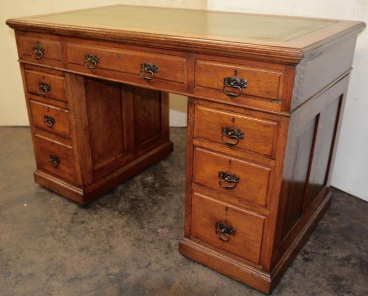 Viktorianischer britischer Eichen Schreibtisch antik ca 1890