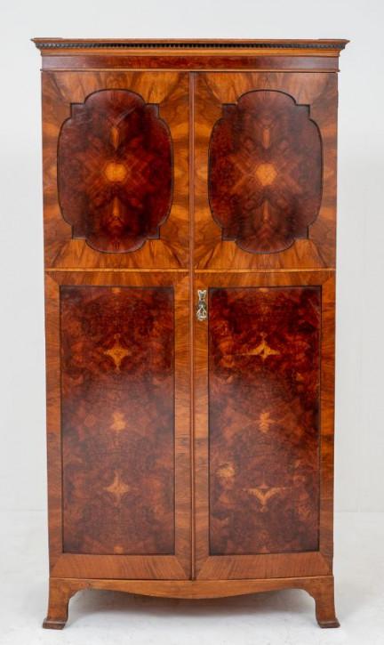 Antiker englischer Nussbaum Kleiderschrank ca 1900