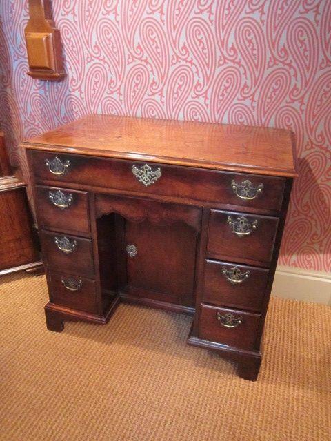 Georgianischer britischer Mahagoni Schreibtisch original antik 1750