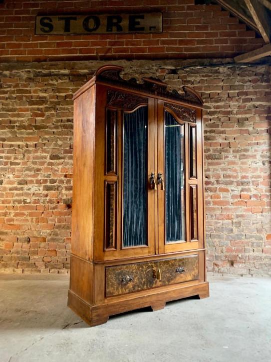 Edwardianischer antiker Kleiderschrank Nussbaum englisch circa 1903