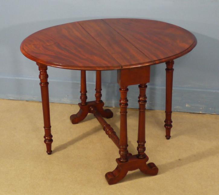 Britischer original antiker Mahagoni Tisch ca 1860