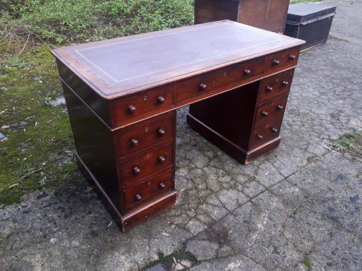 Antiker englischer Mahagoni Schreibtisch ca 1850