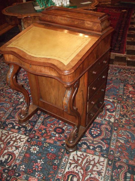 Viktorianischer Davenport Schreibtisch Nussbaum antik ca 1850