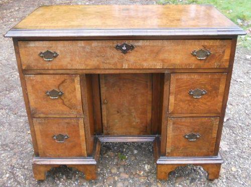 Antiker georgianischer Nussbaum Damen Schreibtisch englisch ca 1900