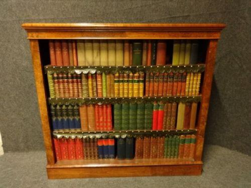 Antikes englisches Nussbaum Bücherregal ca 1880