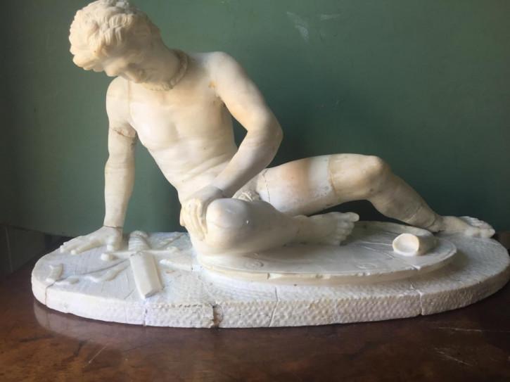 Antike italienische Alabaster Figur Sterbender Gallier Grand Tour ca 1870