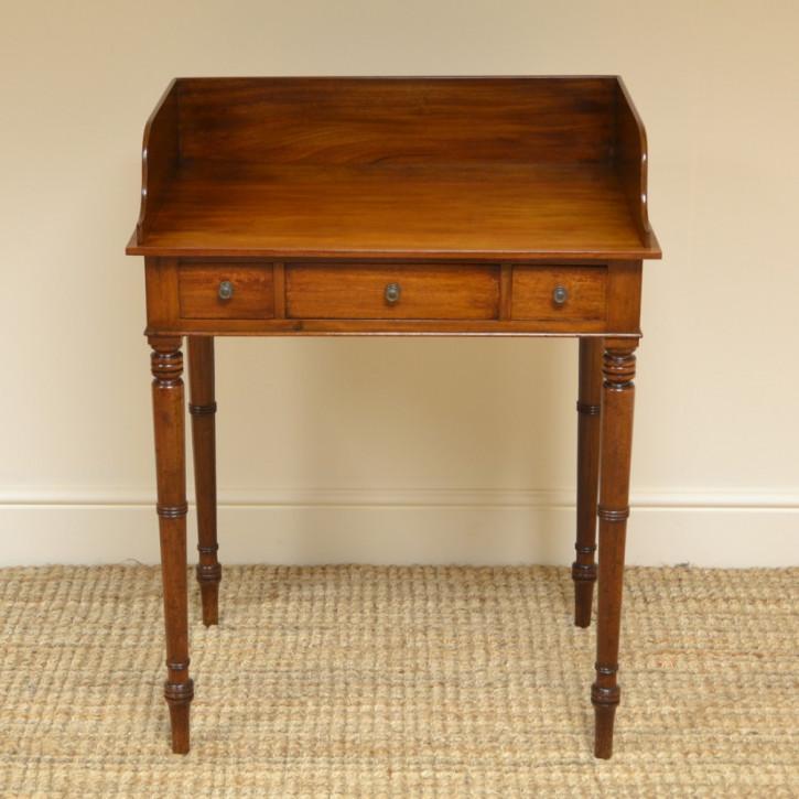 Viktorianischer Mahagoni Schreibtisch antik britisch ca 1840