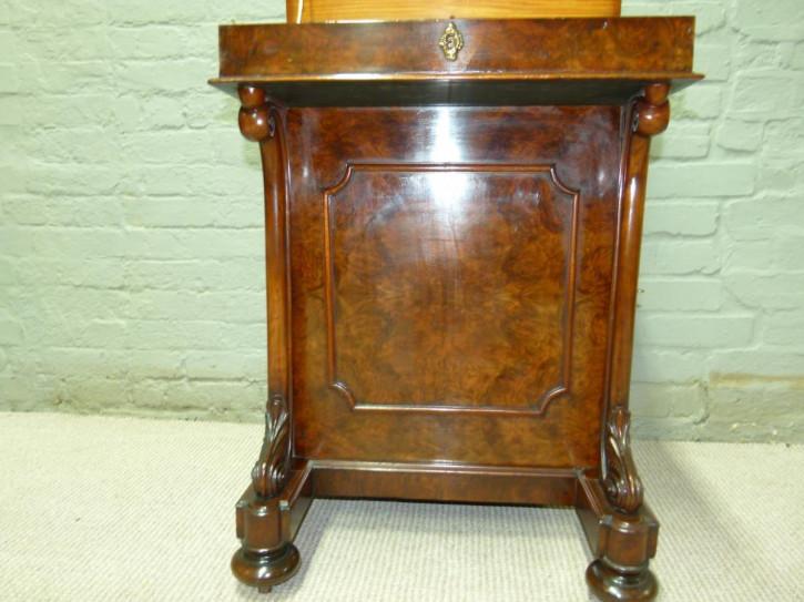 Antiker britischer Davenport Schreibtisch Nussbaum ca 1860