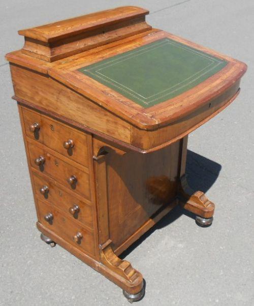 Englischer Viktorianischer Antiker Nussbaum Davenport Schreibtisch ca. 1880