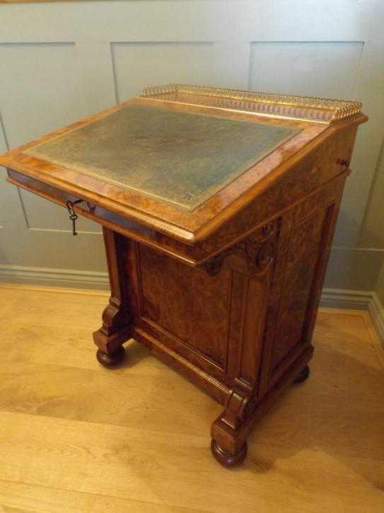 Viktorianischer antiker Davenport Schreibtisch Nussbaum antik ca 1860
