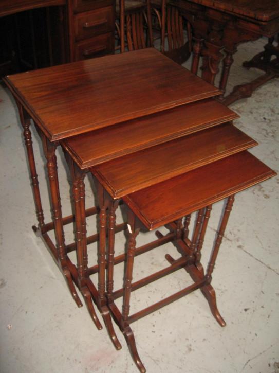 Antike Mahagoni Beistelltische britisch ca 1920  Nest of tables