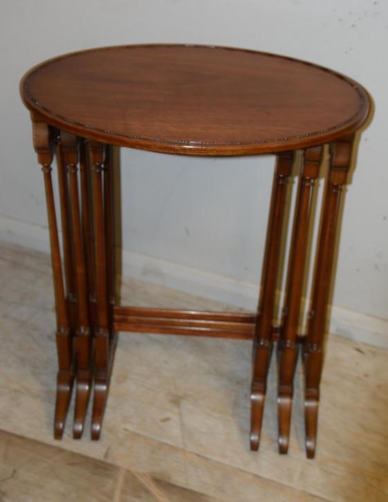 Antike britische Mahagoni Beistelltische ca 1900 Nest of tables