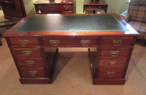 Antiker britischer Mahagoni Schreibtisch ca 1890