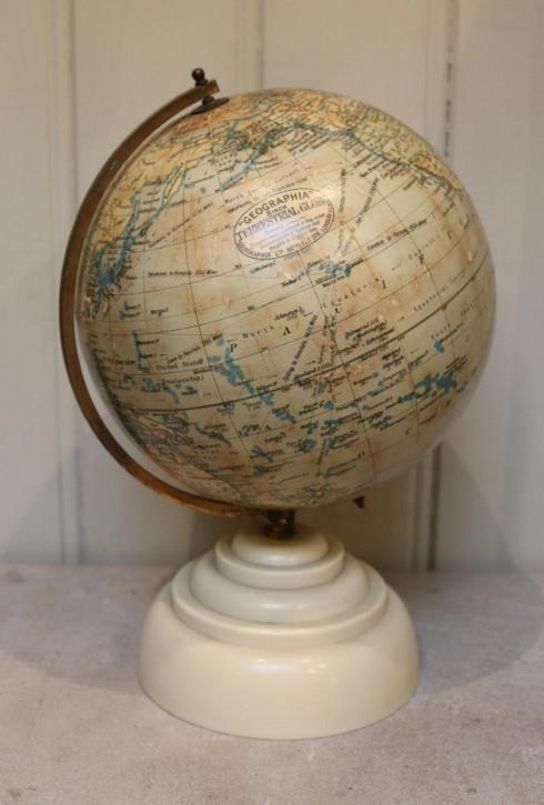 Art Deco Antiker Englischer Globus ca. 1947