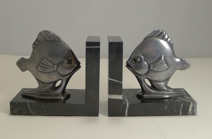 Art Deco Paar antiker englischer Fisch Buchstützen ca. 1930