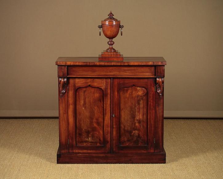 Antikes britisches Mahagoni Sideboard ca 1860