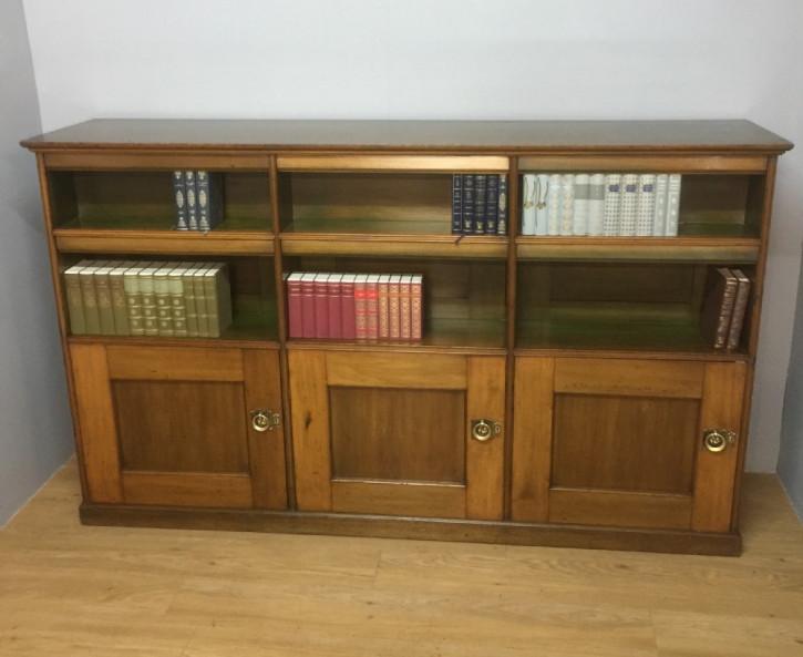 Antiker Arts & Crafts Bücherschrank Nussbaum britisch ca 1890