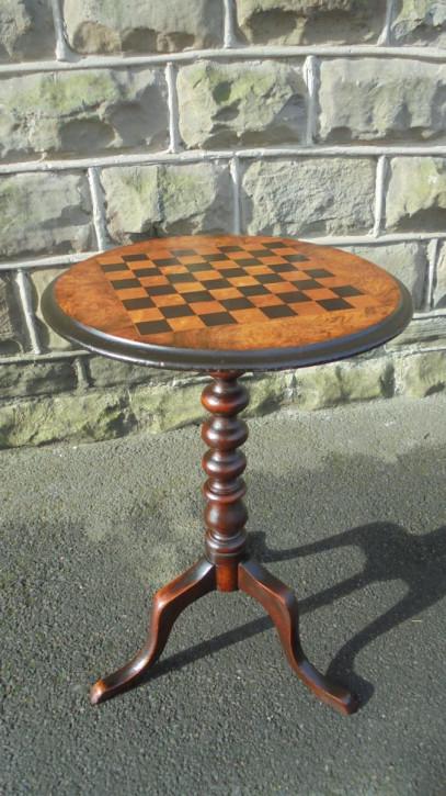 Antiker britischer Nussbaum Spieltisch Schachtisch ca 1880