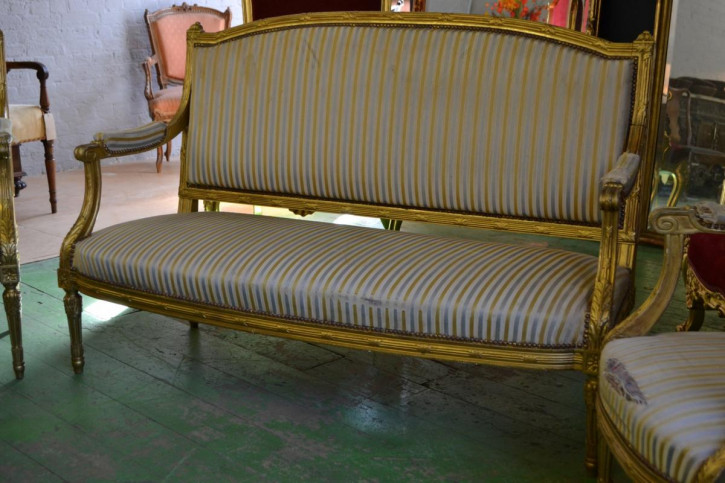 Französisches Antikes vergoldetes Sofa ca. 1900