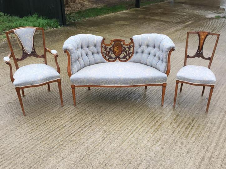 Edwardianisches Englisches Antikes Satinholz Intarsien Sofa mit Stühlen ca. 1900