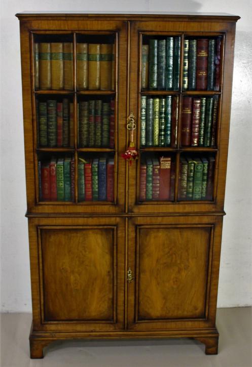 Britischer antiker Eichen Bücherschrank Nussbaum ca 1920