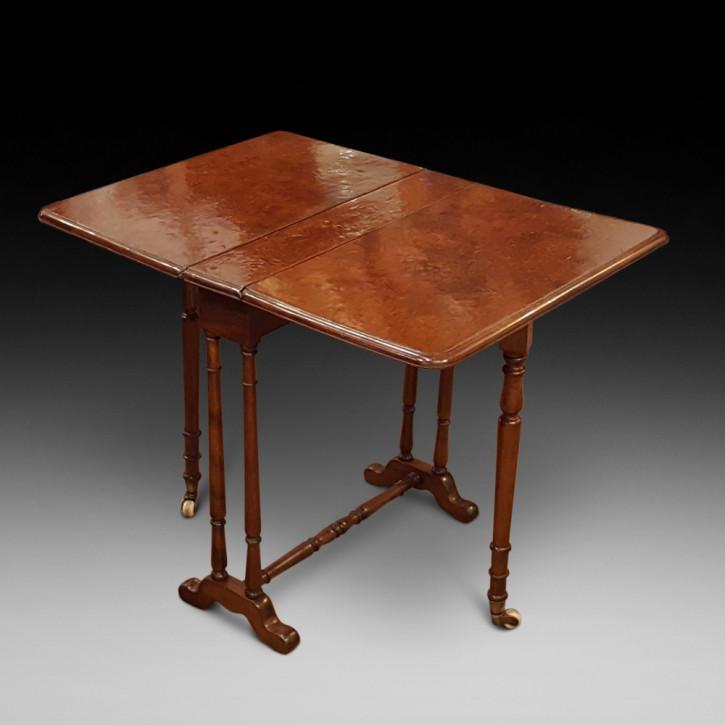 Viktorianischer Antiker Englischer Eibe Tisch ca. 1860