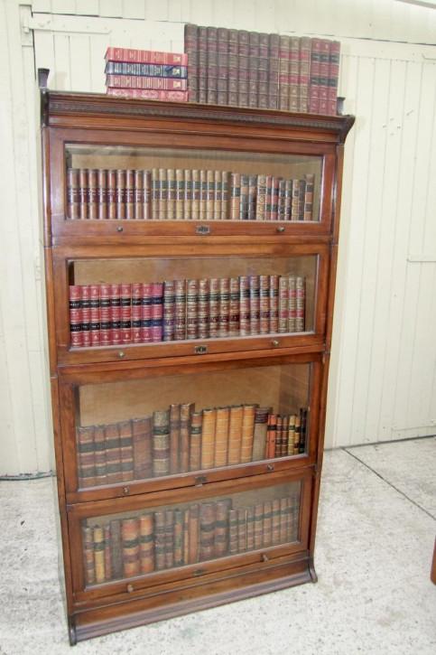 Britischer Mahagoni Bücherschrank original antik ca 1920
