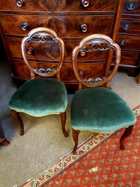 Antike viktorianische Nussbaum Stühle britisch ca 1860