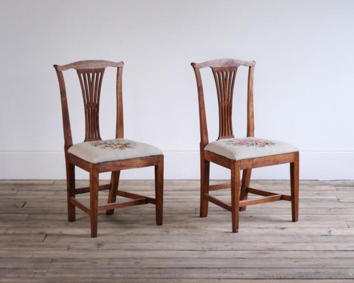 Antike britische Ulmen Stühle Esszimmerstühle ca 19. Jh