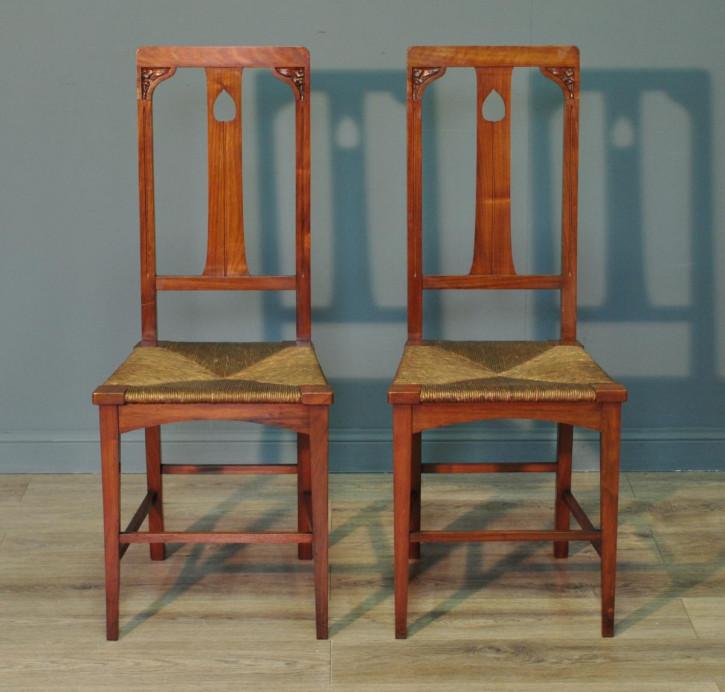 Antike britische Arts & Crafts Stühle Nussbaum ca 1890