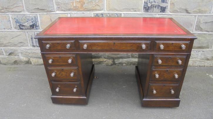 Viktorianischer Englischer Antiker Eichen Schreibtisch ca. 1880
